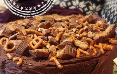 Gâteau au chocolat dans un bol avec ganache chocolat et beurre d'arachide - Auboutdelalangue.com