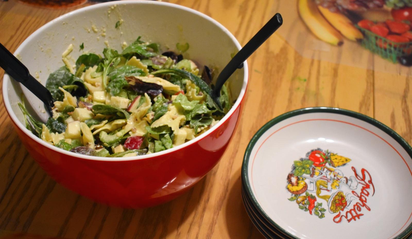 Salade de pâtes style César aux pommes et au céleri - Auboutdelalangue.com (6)