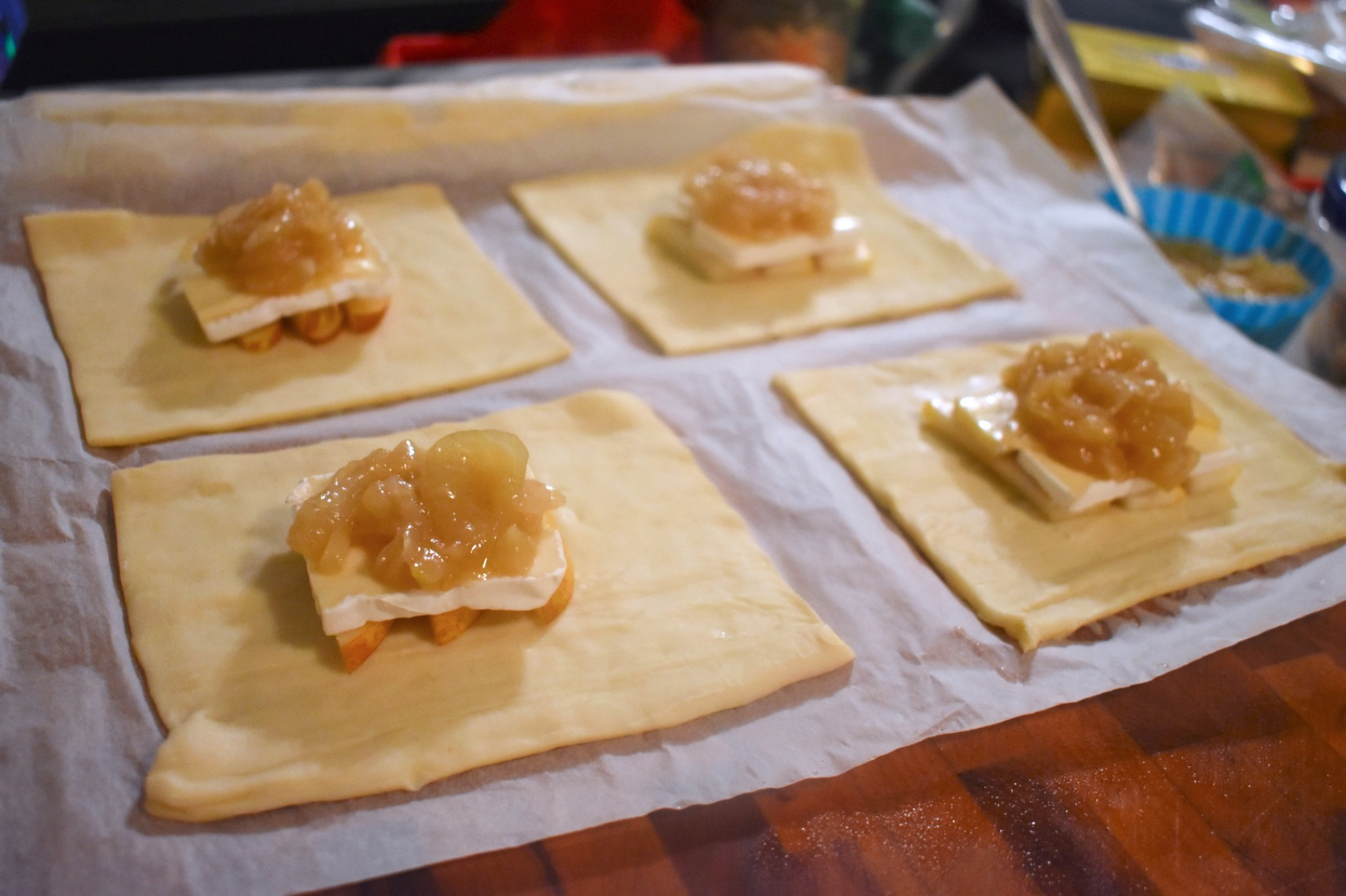 Feuilletés de poulet, brie et poire - Auboutdelalangue.com (5)