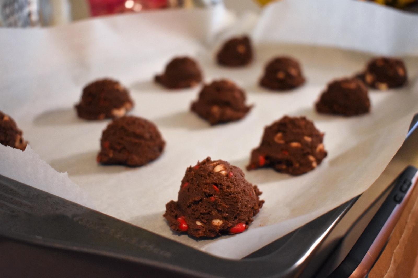Biscuits double chocolat aux coeurs de cannelle - Auboutdelalangue.com (8)