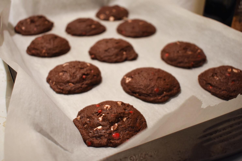 Biscuits double chocolat aux coeurs de cannelle - Auboutdelalangue.com (9)